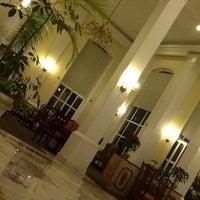 Foto tomada en Hotel Plaza Camelinas por Cyn S. el 1/5/2013