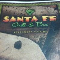 รูปภาพถ่ายที่ Santa Fe Grill & Bar โดย RYAN S. เมื่อ 8/10/2013