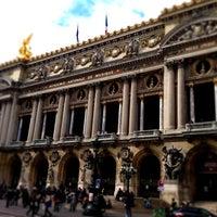Foto tirada no(a) Place de l'Opéra por Nina K. em 4/23/2013