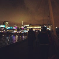 Photo taken at Hungerford & Golden Jubilee Bridges by Yana A. on 11/26/2012