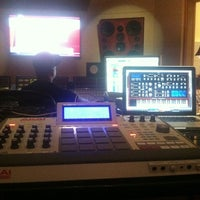 Photo taken at Patchwerk Recording Studios by Fatboi on 12/4/2012