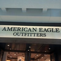 Photo taken at American Eagle Outfitters by Guilda G. on 7/26/2013