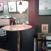 Foto tirada no(a) Starbucks por Bruce #. em 10/25/2012