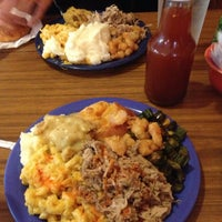 Photo taken at Casey's Barbecue & Home Cookin' Buffet by Leslie K. on 4/28/2013