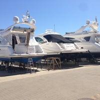 Photo taken at Яхт-клуб «Посейдон» by ⭐️Uri on 5/8/2013