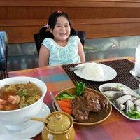 Photo taken at ครัวอิ่มอร่อย รัชดาวิภาวดีกอล์ฟ by Kong L. on 5/8/2013