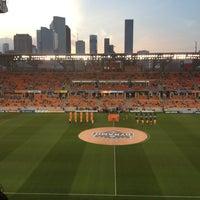 รูปภาพถ่ายที่ BBVA Compass Stadium โดย Lorena O. เมื่อ 3/31/2013