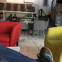 Foto tomada en Café Atelier por Javier O. el 10/23/2016