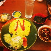 Photo taken at Niji Japanese Restaurant by Lonemille L. on 9/24/2013
