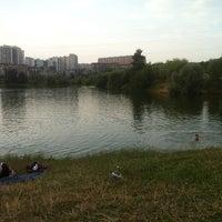 Foto tirada no(a) Ландшафтный парк «Митино» por Дарья Ш. em 7/5/2013