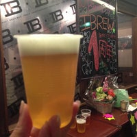 Photo prise au Craft Beer Bar iBREW par chiho le6/30/2013