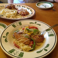 Photo taken at Olive Garden by umesan on 2/11/2013