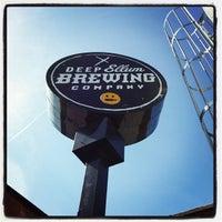 2/22/2014 tarihinde J A.ziyaretçi tarafından Deep Ellum Brewing Company'de çekilen fotoğraf