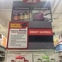 Photo taken at ACE Hardware by Wahyu B. on 5/4/2017