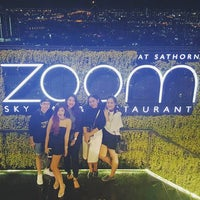 Foto tirada no(a) Zoom At Sathorn Sky Bar And Resturant por POMPADOUR P. em 12/15/2016