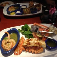 Photo taken at Red Lobster by Lu J. on 11/24/2012
