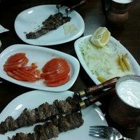 1/19/2013 tarihinde Evrim G.ziyaretçi tarafından Palandöken Cemal Usta Cağ Kebabı'de çekilen fotoğraf
