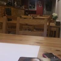 2/26/2015 tarihinde Ceyda A.ziyaretçi tarafından Semolina Kafe & Restoran'de çekilen fotoğraf