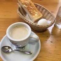 Photo taken at Komeda's Coffee by Masayukin G. on 9/15/2016
