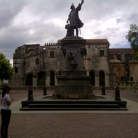 Photo taken at Parque Colón by Daniel Elpidio R. on 10/14/2012