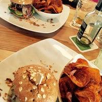 Das Foto wurde bei Bunte Burger von Don C. am 5/6/2015 aufgenommen