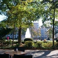 Das Foto wurde bei Viktoria-Luise-Platz von Stokvis am 10/12/2015 aufgenommen