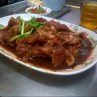 Photo taken at Noodle+Khamoo Restaurant by Medy Puteri P. on 11/9/2012