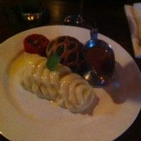 Foto tomada en Forepaugh's Restaurant por Caitlin E. el 7/17/2013
