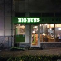 Foto tirada no(a) Big Buns por Ty M. em 10/20/2013