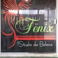 Photo taken at Fênix Stúdio da Beleza by Arthur B. on 9/28/2013