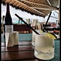 Foto tomada en Mantamar Beach Club • Bar & Grill por Guillermo V. el 7/22/2017