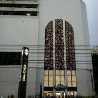 Photo taken at Shopping Metrô Santa Cruz by Washington L. on 12/1/2012