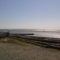 Photo taken at Crescent Beach by Bianca on 4/2/2013