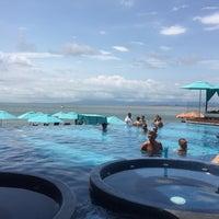 Foto tomada en Mantamar Beach Club • Bar & Grill por Javier L. el 8/29/2017