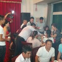 Photo taken at Ya Jie Restaurant by Lars E. on 9/22/2013
