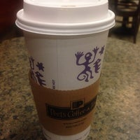 Photo taken at Peets Coffee And Tea by Keely I. on 11/5/2013