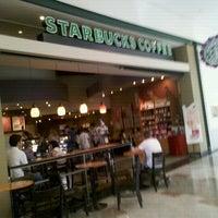 Photo taken at Starbucks by Robson G. on 12/11/2012
