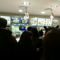 Photo taken at McDonald's by 🅿️🅰🅾L🅰 on 10/31/2012