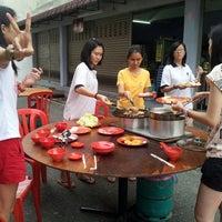 Photo taken at 知因亭素食 by Lovina L. on 2/22/2013