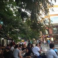 6/6/2013 tarihinde Nuh B.ziyaretçi tarafından Cihangir Kahvehanesi'de çekilen fotoğraf