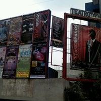 Foto tirada no(a) Teatro Wilberto Cantón por RAFA M. em 10/1/2012