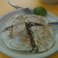 Photo taken at Los Tradicionales de Don Ray by Adan R. on 11/28/2012