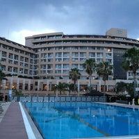 6/7/2013 tarihinde Elchito Gonzalesziyaretçi tarafından Fame Residence Lara & Spa Hotel'de çekilen fotoğraf