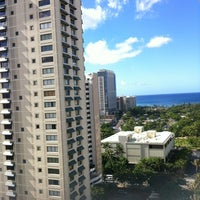 Photo taken at Royal Garden at Waikiki Hotel by Chiaki M. on 10/15/2012