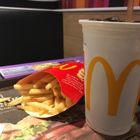 Photo taken at McDonald's by Suphannapha C. on 10/13/2017