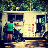 Photo taken at Red Hook Ballfield Food Vendors by Darius A. on 8/5/2013