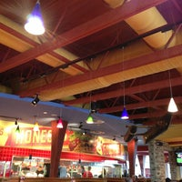 Photo taken at Red Robin Gourmet Burgers by Chris R. on 5/25/2013
