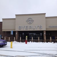 Photo taken at Lunds & Byerlys by Maria H. on 4/11/2013