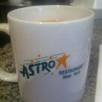 Das Foto wurde bei Astro Restaurant von Bryan F. am 4/21/2013 aufgenommen
