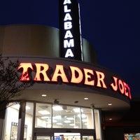 Снимок сделан в Trader Joe's пользователем Johnathon K. 2/11/2013